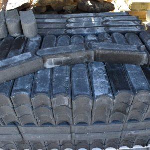 charcoal grey concrete edging
